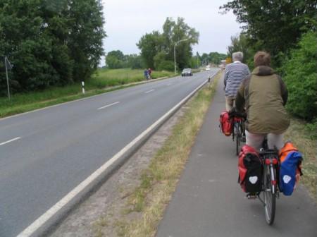 Bicikliúton, biztonságban lehet elhagyni a várost