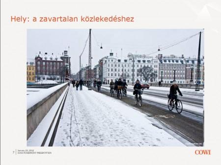 Elsőként a kerékpáros felület takarítva. Mikael-Colville Andersen, copenhagize.com