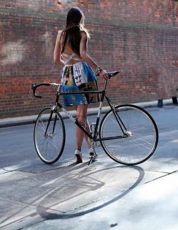 Városi és tájbéli Zöldutak - forrás: https://www.facebook.com/bikegirls?fref=ts
