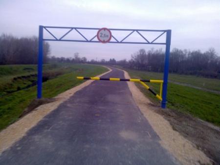 Kerékpárosbarát (Arató Csongor felvétele)