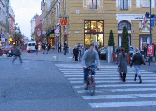 Alternatíva híján a Király utca a legfontosabb kelet-nyugat irányú kerékpáros útvonal Pécsett
